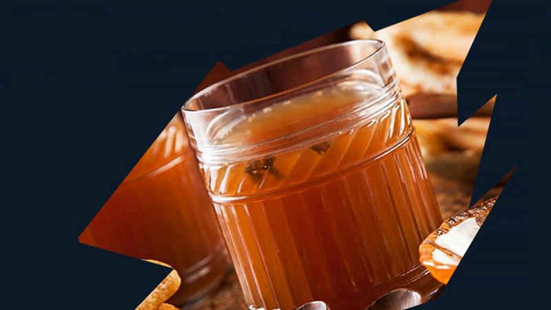 Новогодний стол: как приготовить сбитень, 3 рецепта старинного напитка