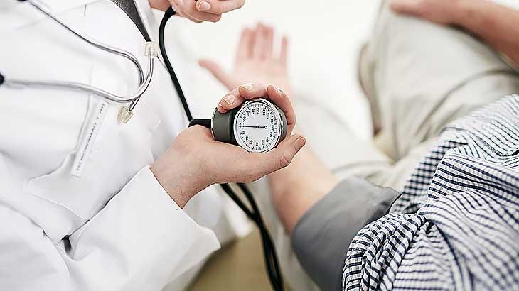 Гипертонический криз, какие симптомы, как распознать его, как лечить