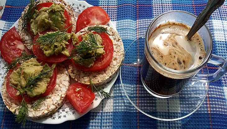 Самый полезный завтрак — бутерброд с авокадо