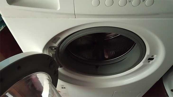 Как избавиться от неприятного запаха и плесени в стиральной машине, советы